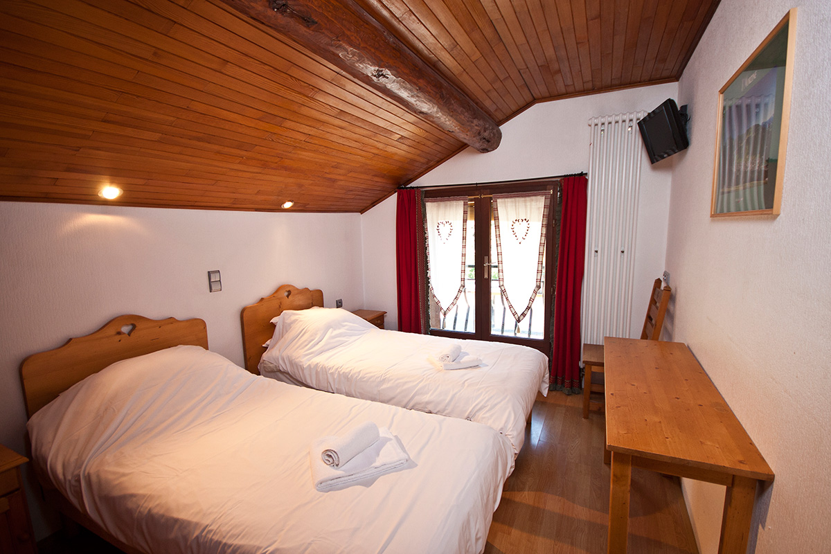 Ride Morzine catered chalet twin or double rooms